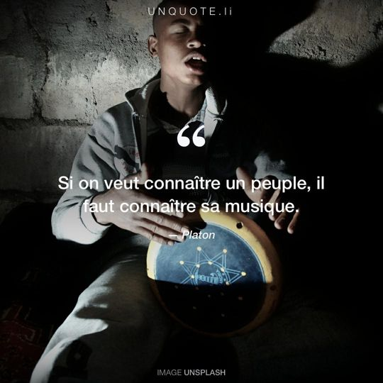 Image d'Unsplash remixée avec citation de Platon.